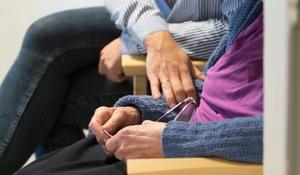 äldre kvinna söker ung man mariefred